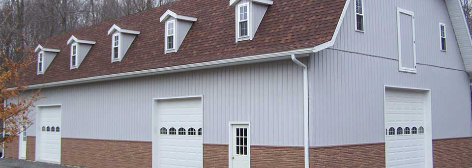 Garage with Recreation Area